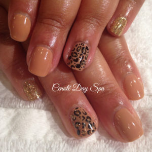 We offer nail art!